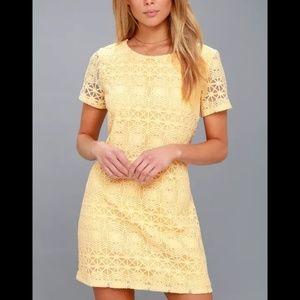 LULU'S LACE SHIFT DRESS